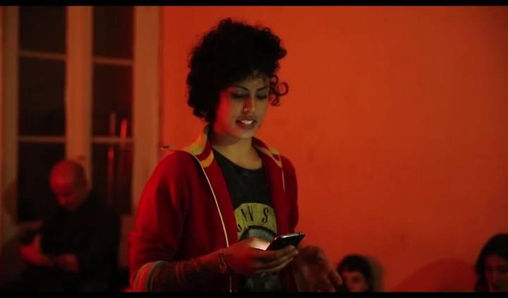 Conheça o poetry slam, movimento que tem se consolidado em ruas e bares do Estado