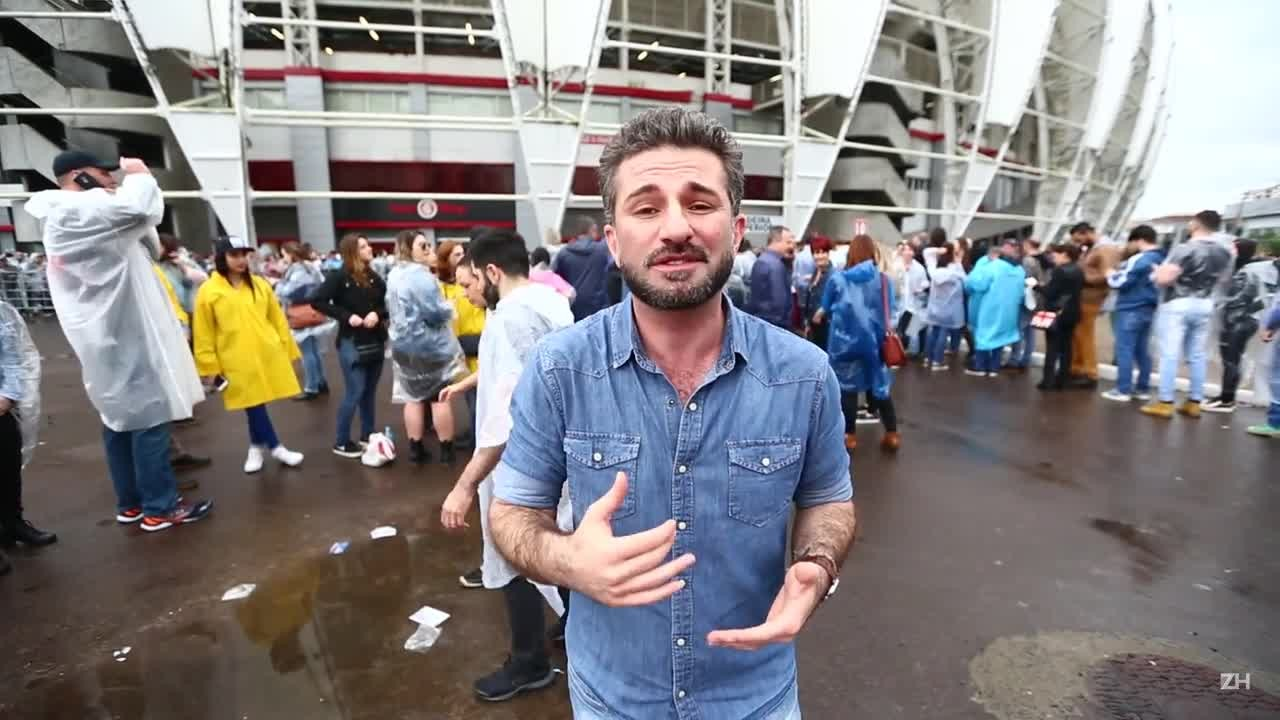 Paulo Germano e fãs cantam versões de músicas de Paul McCartney