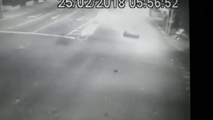 Polícia analisa imagens para identificar motorista que matou motociclista em acidente em Santa Maria