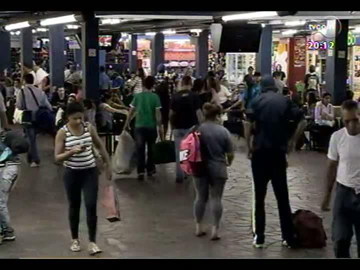 TVCOM 20 Horas - 21/12/12 - Bloco 2 - Trânsito: tudo sobre a saída para o feriadão de Natal