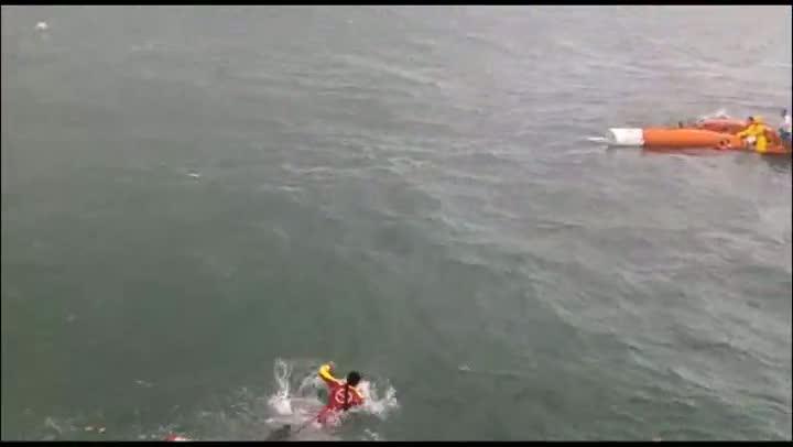 Naufrágio de barco inflável em Palhoça
