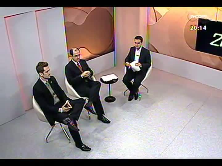 TVCOM 20 Horas - Subdefensor público Felipe Kirchner fala sobre a ação da Defensoria nos protestos, a violência e a ação da Brigada Militar - Bloco 2 - 21/06/2013