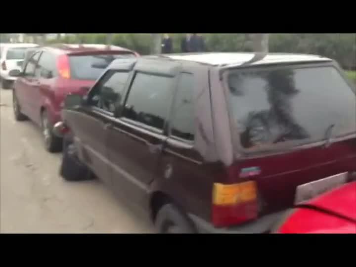 Cinco carros são atingidos em engavetamento na região do Aeroporto Salgado Filho. 20/07/2013