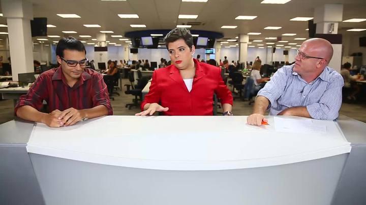Personagem Presidenta Dilma visita a redação do DC