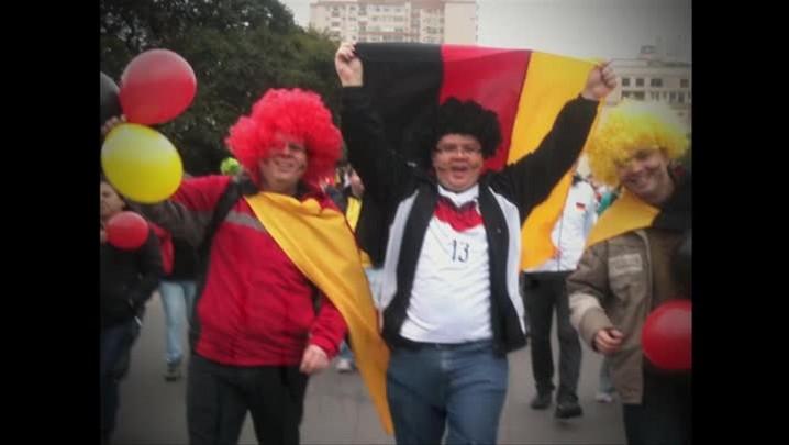 Alemães e argelinos fazem a festa no Caminho do Gol