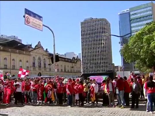 Bate Bola - Domingo de homenagens para Fernandão - 20/07/2014