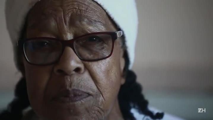 Aos 90 anos, dona Ramona faz campanha