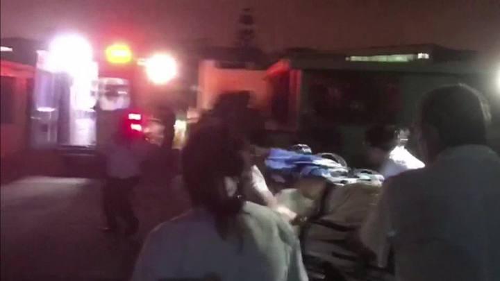 Queda de ônibus mata 12 policiais no Peru