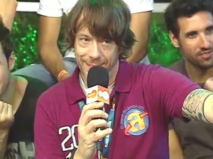 Reação em Cadeia toca samba no estúdio da TVCOM - Planeta Atlântida 2013