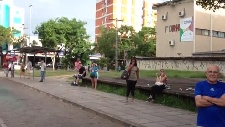 Assembleia dos Rodoviários decide por paralisação total nos ônibus de Porto Alegre. 28/01/2014