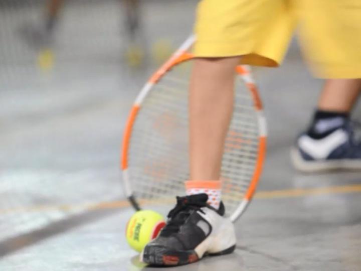 Tênis na Zona Norte de Caxias