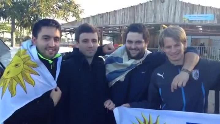Uruguaios chegam a Porto Alegre após mais de 8 horas de viagem