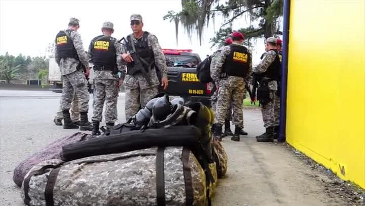 Força Nacional começa a montar barreiras em Joinville