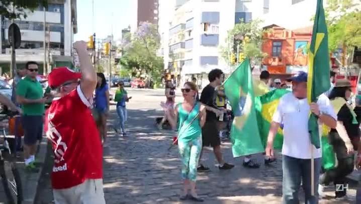 Provocação entre Bagre Fagundes e manifestantes da marcha contra a presidente Dilma Rousseff
