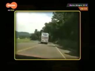 TVCOM 20 Horas - Ônibus flagrado acima da velocidade e andando na contramão na BR-153 - 05/03/15