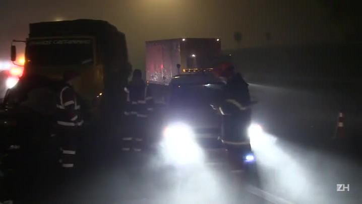 Acidente entre carro e caminhão na chegada à capital