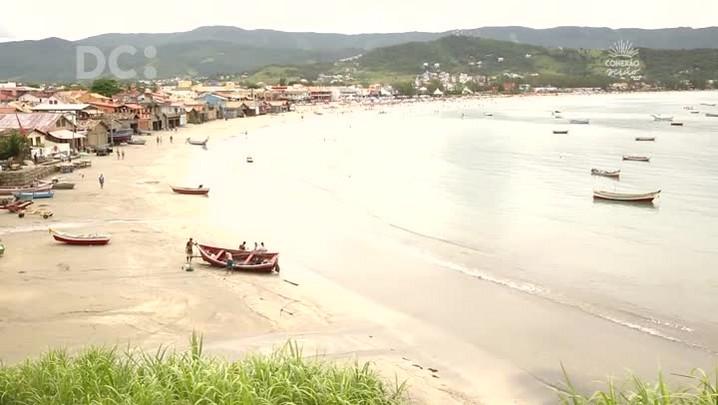 #DCpelaspraias: movimento Filhas do Mar apresenta Garopaba
