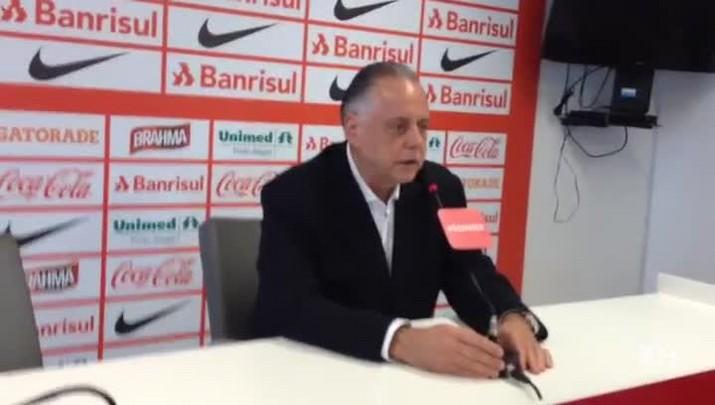Carvalho anuncia punições a William e a Anderson