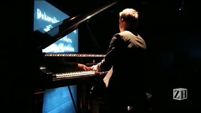 """Veja como foi a exibição, com trilha sonora ao vivo, do clássico \""""O Gabinete do Dr. Caligari\"""""""