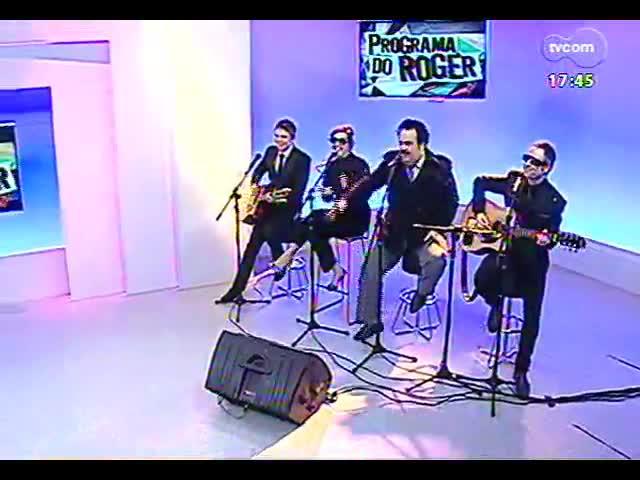 Programa do Roger - Um bate papo e a música de Bidê ou Balde - bloco 1 - 01/10/2013
