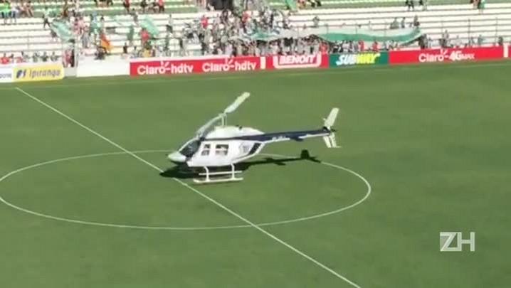 Corte da Festa da Uva chega ao Alfredo Jaconi de Helicóptero