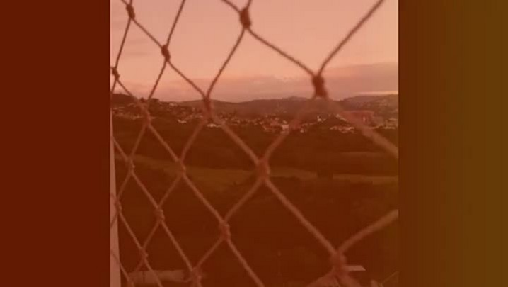 Morador registra o momento de tiroteio no Bairro Jardim Carvalho, na Capital