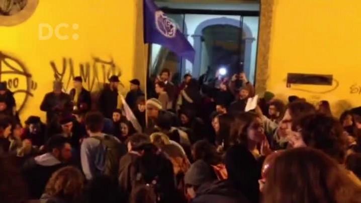 Manifestação contra impeachment em frente ao IPHAN, em Florianópolis