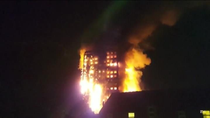 Incêndio atinge prédio residencial em Londres
