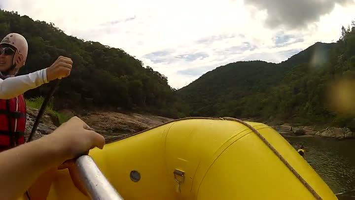 Rafting no Rio Cubatão, em Santo Amaro