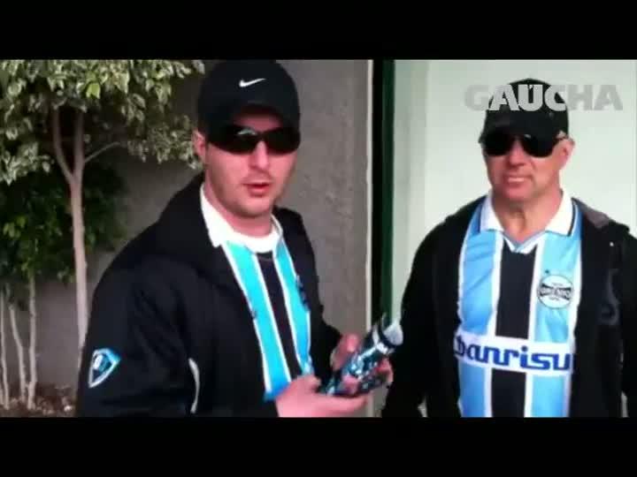 Em Caxias, torcedores opinam sobre permanência de Luxa e futuro do Grêmio - 26/05/2013