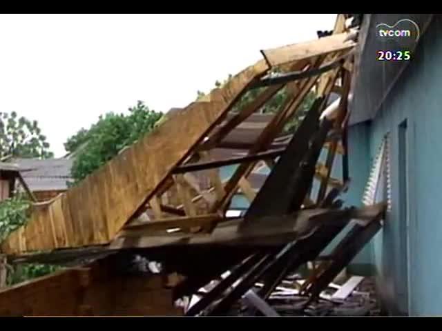 TVCOM 20 Horas - 49 mil pessoas continuam sem luz após temporal que atingiu o RS - Bloco 3 - 21/10/2013