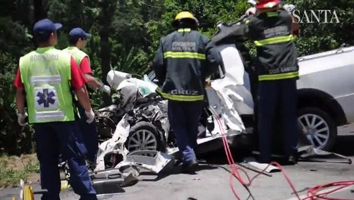 Suspeito de matar mulher morre em acidente grave na BR-470, em Blumenau