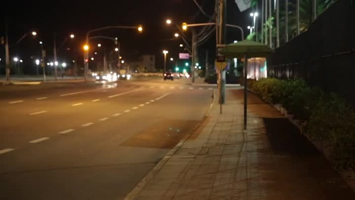 Esperar ônibus com atenção dobrada