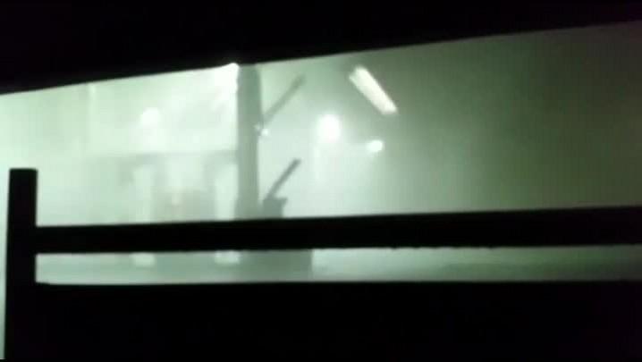 Vídeo mostra destruição durante temporal em Porto Alegre