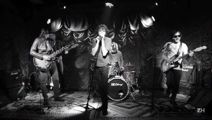 Banda Identidade responde: Beatles ou Stones?