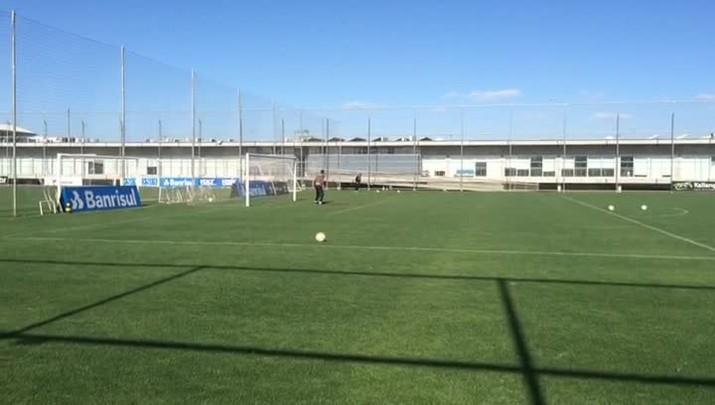 Grêmio treina para confronto com o Cruzeiro pelo Brasileirão
