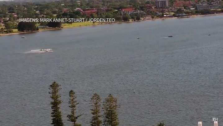 Avião cai na Austrália diante de milhares de pessoas