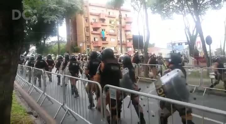 Polícia reforça segurança nos arredores da Justiça Federal para depoimento de Lula a Moro em Curitiba