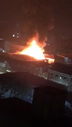 Incêndio atinge empresa em Joinville