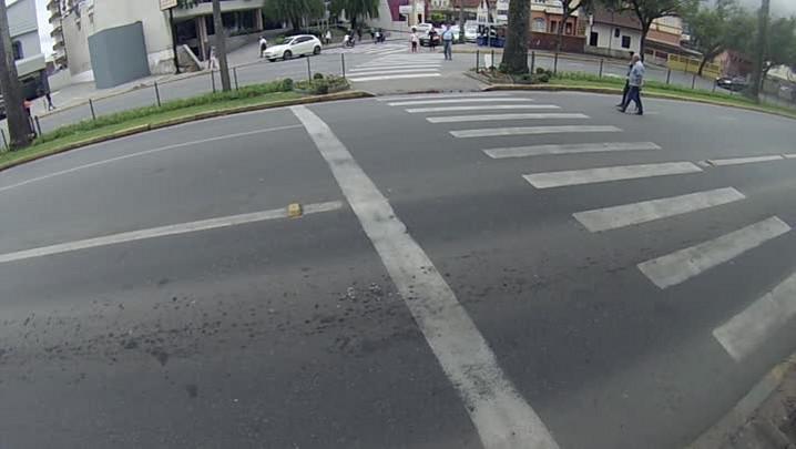 Confira imagens da imprudência no trânsito de Joinville