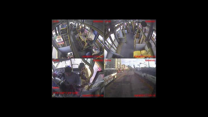 Imagens mostram execução dentro de ônibus na Avenida Farrapos