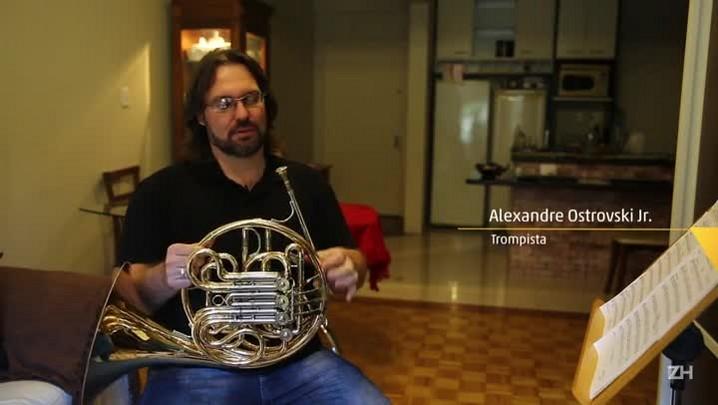 Músico apresenta a trompa