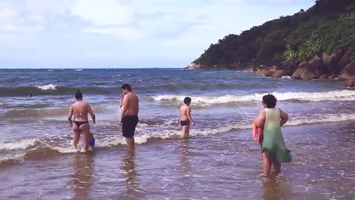 Point da Hora: 3 praias tranquilas para levar as crianças no verão