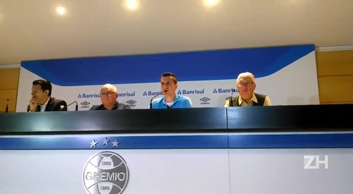 Grohe fala da responsabilidade dos experientes no Grêmio
