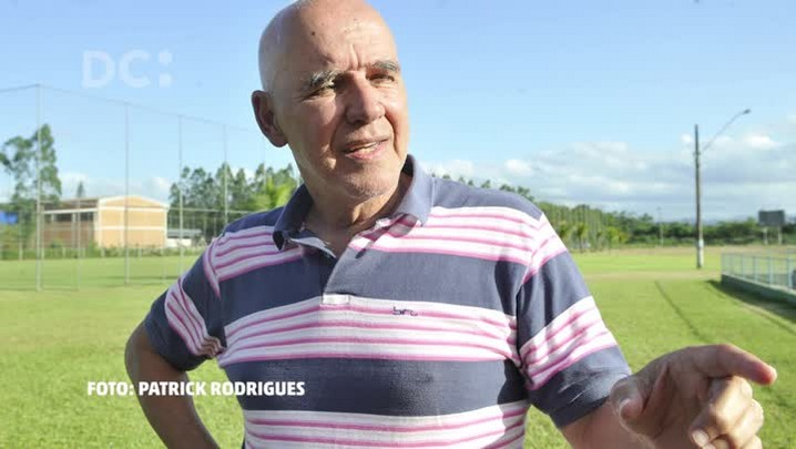 """Valdir Espinosa, técnico do Metropolitano: \""""Não vejo o futebol hoje mais difícil\"""""""