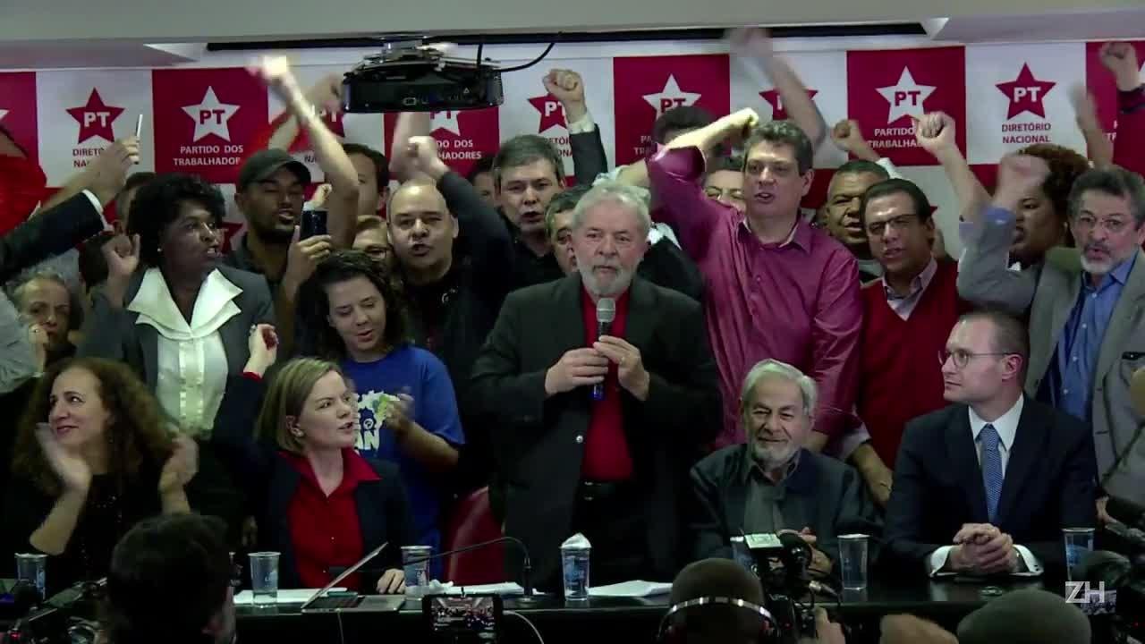 """Lula: \""""Estão destruindo a democracia em nosso país\"""""""