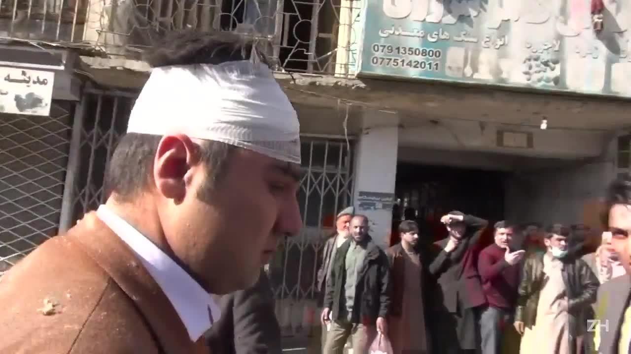 """Explosão em \""""ambulância-bomba\"""" deixa pelo menos 63 mortos em Cabul"""
