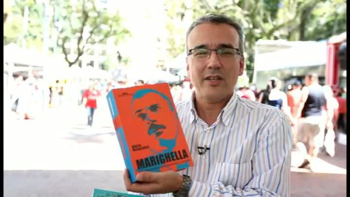 Luiz Antônio Araujo dá dicas de leitura.