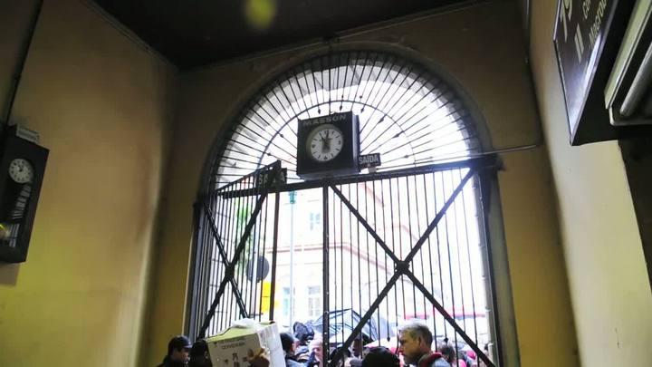 Portões do Mercado reabrem ao público após 38 dias fechados