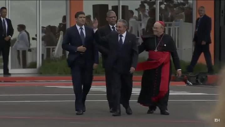 Festa na chegada do papa